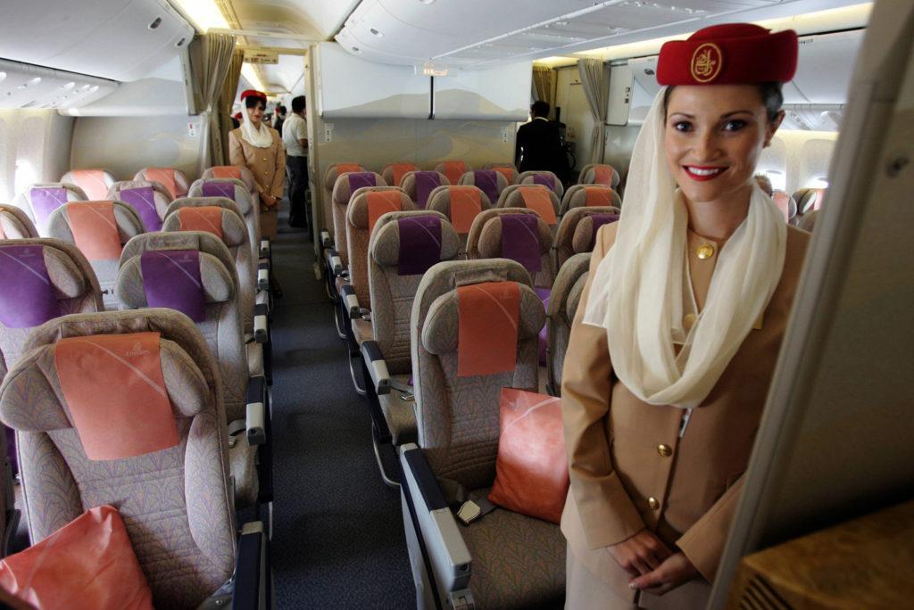Как получить работу стюардессы в Дубае?