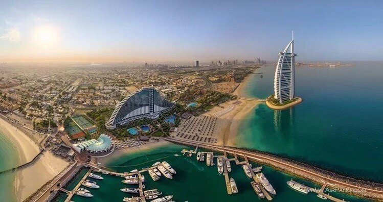 Как найти работу секретарем или помощником руководителя в Дубае?