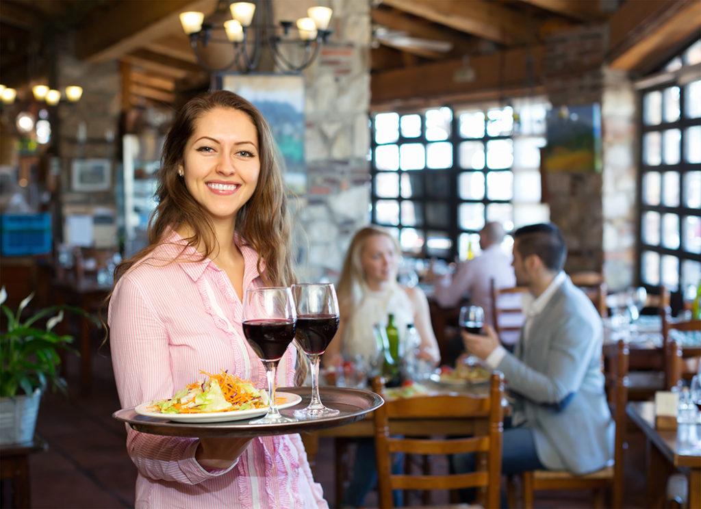 Зарплата официанта в Дубае