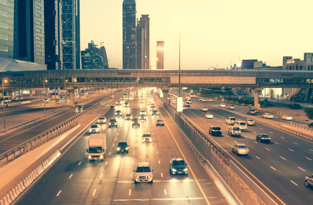 Сколько стоит жить и работать в Дубае? (Развлечение, еда, автомобиль)