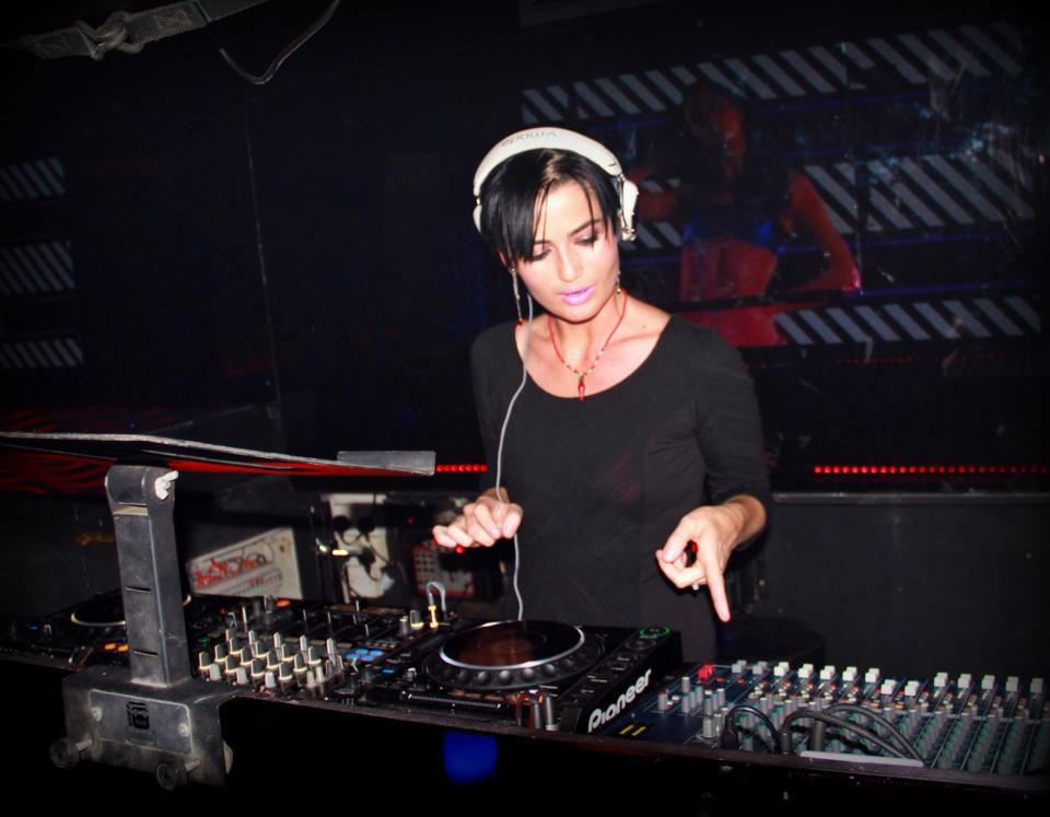 Как найти работу диджея (DJ) в Дубае?