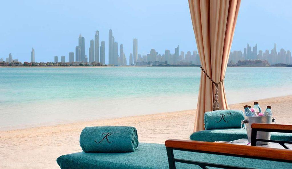 Работа в Дубае. Как найти работу логистом в Дубае?